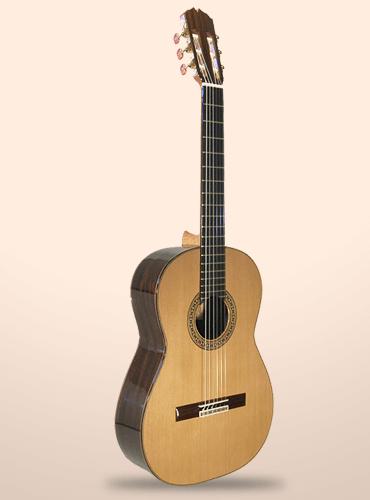 guitarra-juan-montes-andevalo-clasica