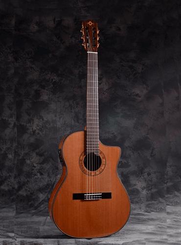 guitarra martínez ES-7 CEQ